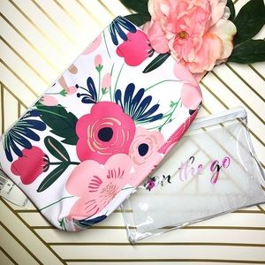 ✨🆕✨NWT Floral Large and Medium pouch set